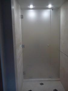 стеклянные раздвижные двери для ванной комнаты фото