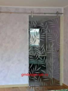Раздвижная дверь - осветлённое стекло с пескоструйным рисунком